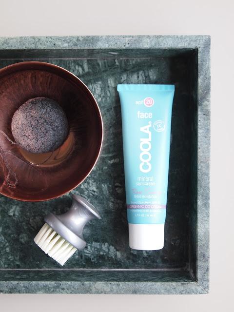 Coola MineralFace Sunscreen – Glødende hud med solfaktor på kjøpet