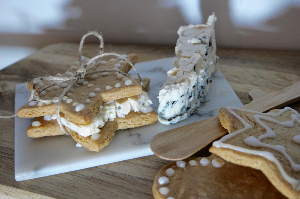 Julesnack- pepperkaker og blåskimmelost