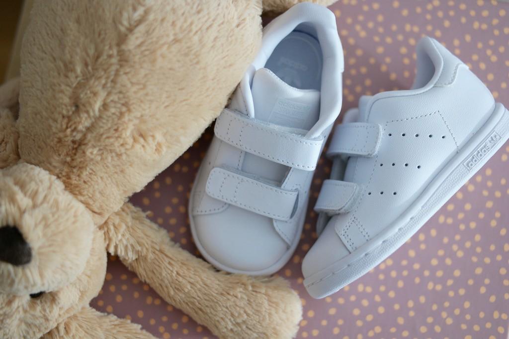 Adidas oooh sooo cool baby Stan Smiths