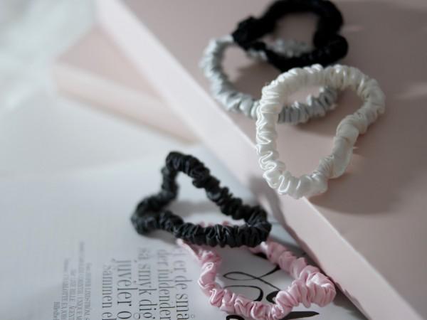 Scrunchie i silke fra MellyMoon – vinn din favoritt!