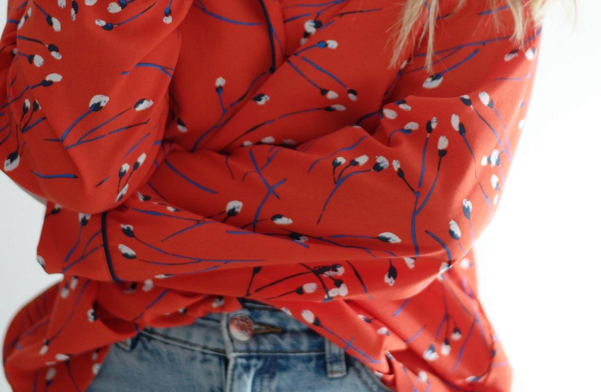 Rød vårbluse – gi meg farger!