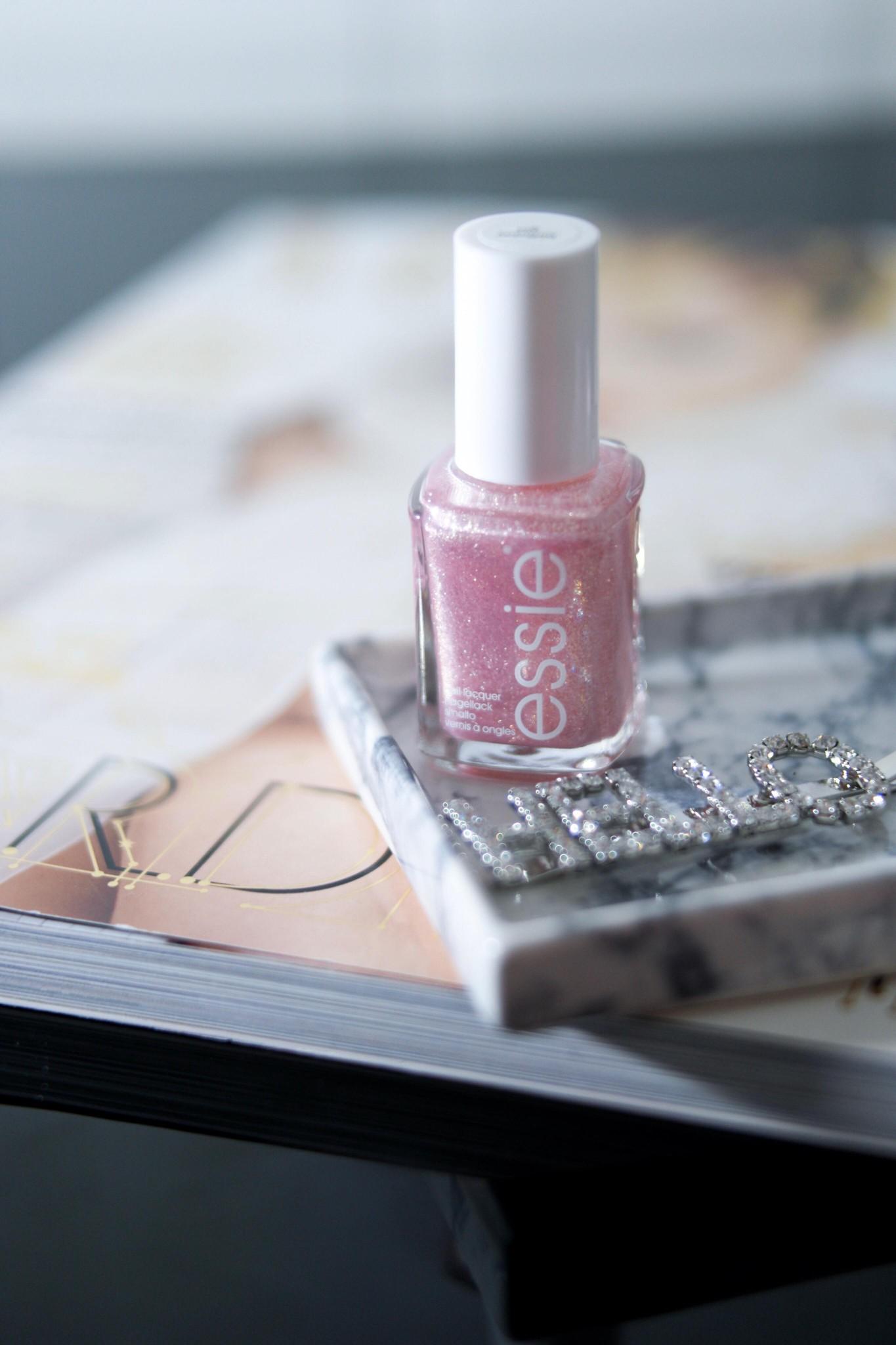 Den er rosa og den glitrer
